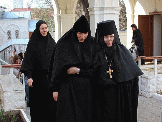Жизнь в монастыре: почему прийти проще, чем уйти