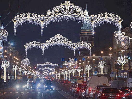 Почему Петербург в этом году так плохо украсили к Новому году