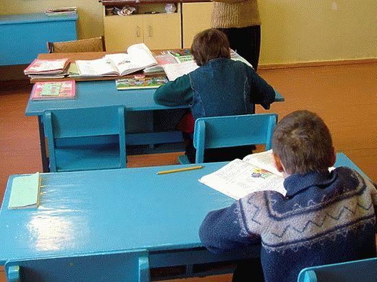 Родители из регионов борются за право поступить в необычную питерскую школу