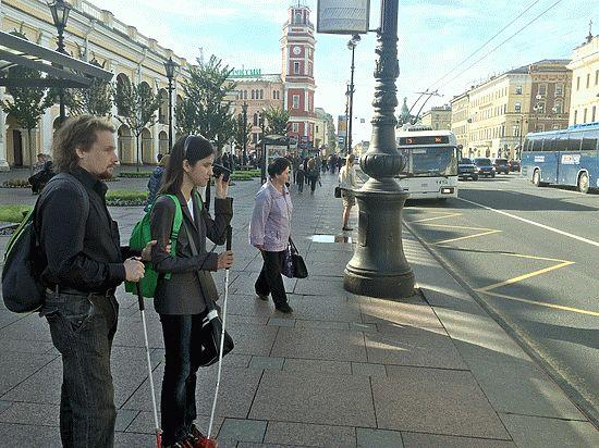 Как дома и общественный транспорт общаются со слепыми