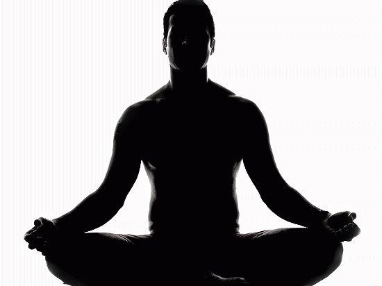 Дмитрий Угай пытается доказать, что не призывает всех петербуржцев стать йогами