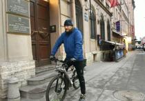 Чиновник проехал зимой на велосипеде 24 километра