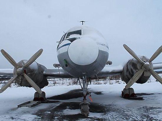 Анонимный меценат оплатил долг зараритетный самолет ИЛ-14