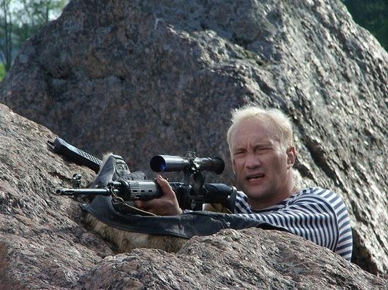 Почему актер Евгений Сидихин так натурален в роли энкавэдэшника
