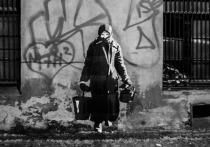 Петербургская художница поселила на стенах домов проституток и Сталина