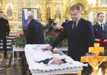В Удмуртии прощаются с первым президентом республики Александром Волковым