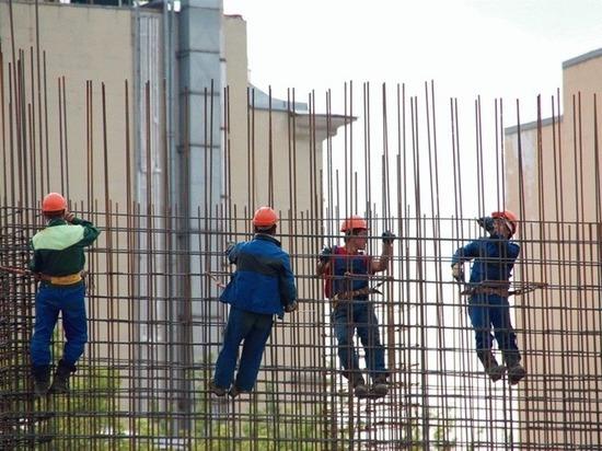«МК» в Питере» подвел итоги первого полугодия 2017 года ко Дню строителя