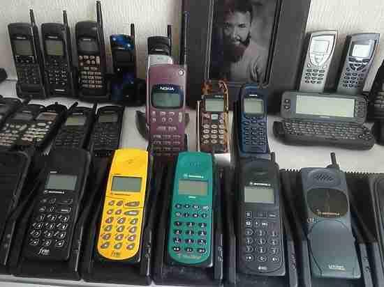 В Петербурге коллекционируют раритетные сотовые телефоны