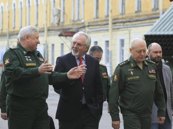 В Петербурге представили проект «Армия и общество»