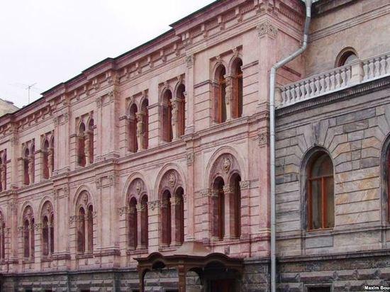 Европейский университет передал Смольному Малый Мраморный дворец