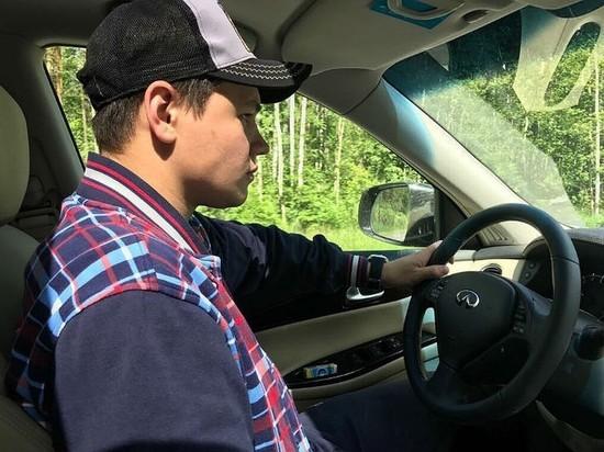 Молодой экс-специалист Комитета по образованию сбил таксиста на угнанном у него же автомобиле