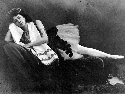 школьницы в постели порно фото