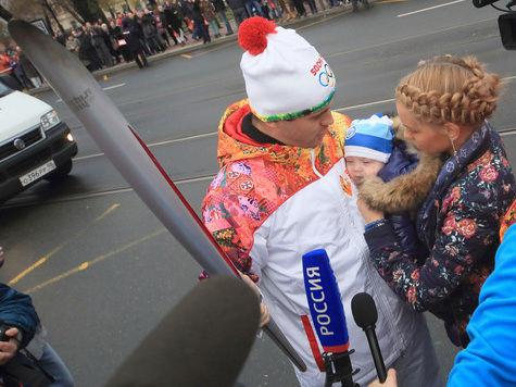 В Петербурге олимпийские факелы тушила нечистая сила